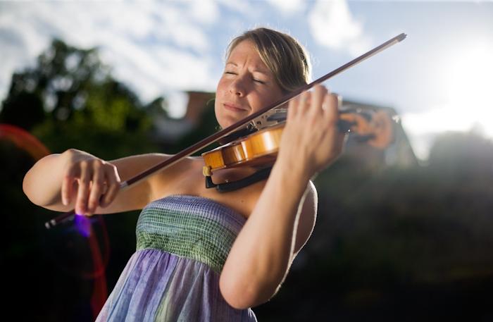 Violinist Julia Sandwall.